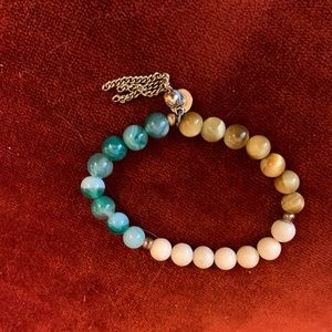 🌺3 for 20$🌺 Vintage Jade and Tan Beaded Bracelet